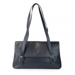 Elegant Large Shoulder Bag in Italian Leather With Flap Closure
