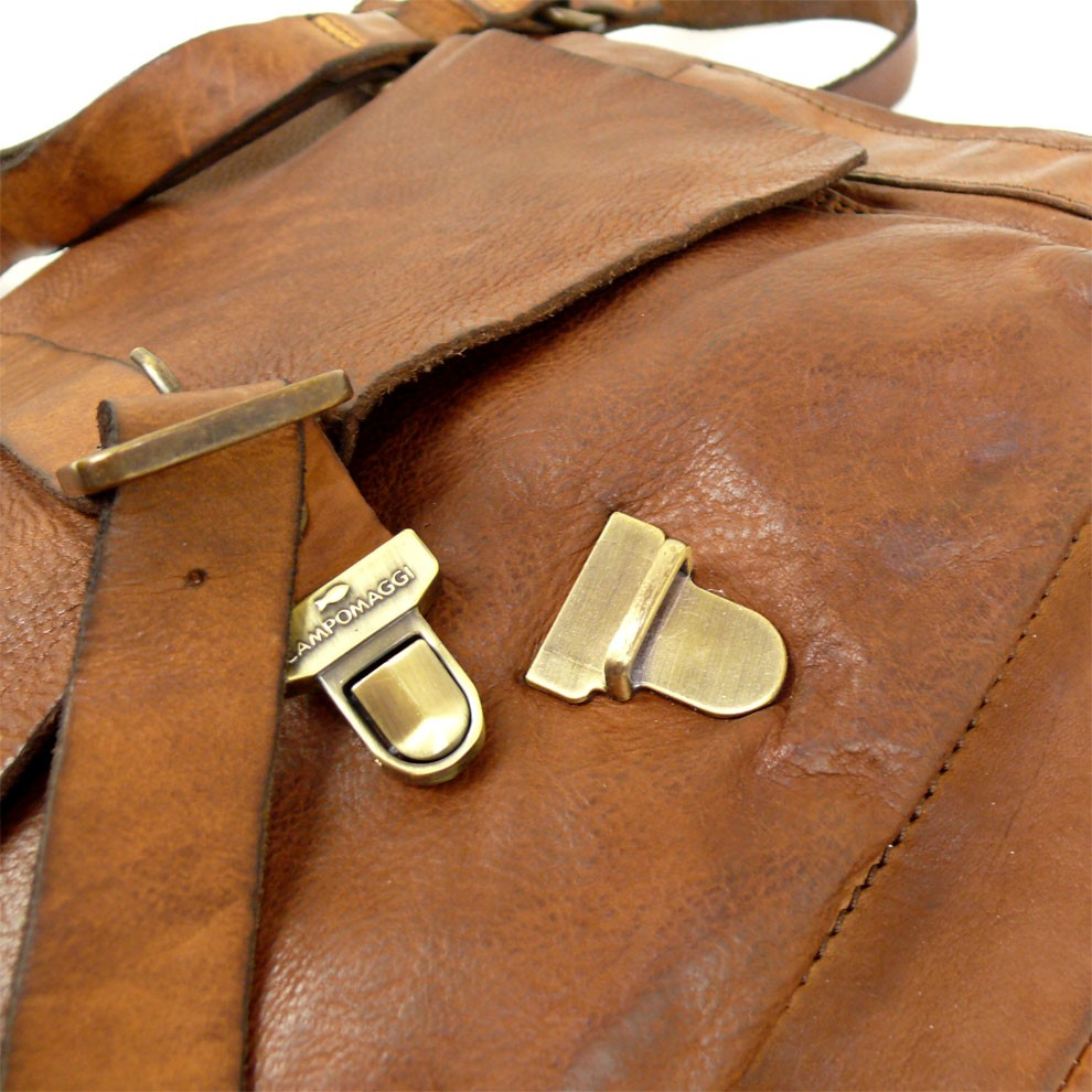 dfcd0cf3b661 Large Messenger Bag in Washed Leather. Campomaggi C006530ND X0001